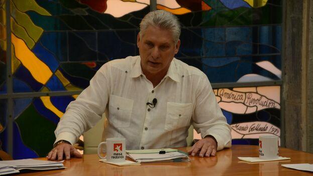 """""""Vamos a regular la entrada por las fronteras del país, dejando solo autorizada la entrada de los residentes en Cuba"""", dijo Miguel Díaz-Canel. (@PresidenciaCuba)"""