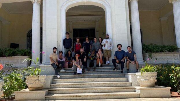 Un grupo de 15 intelectuales y artistas cubanos expresa ante el Mincult su preocupación por las arbitrariedades cometidas contra el artista Luis Manuel Otero Alcántara. (14ymedio)