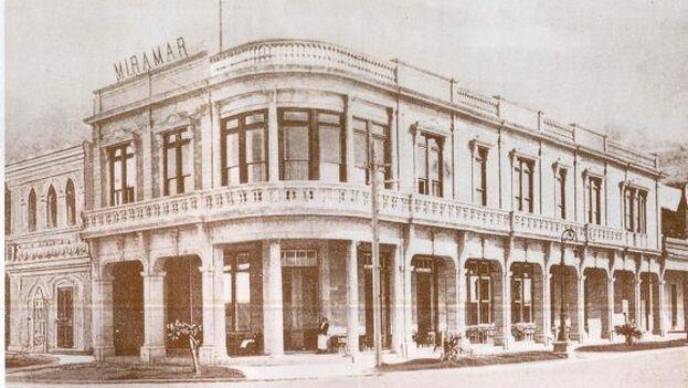 """En el lugar se levantó en 1903 el hotel Miramar, de solo dos plantas y promocionado como """"el mejor situado y el más fresco de Cuba"""". (Archivo)"""