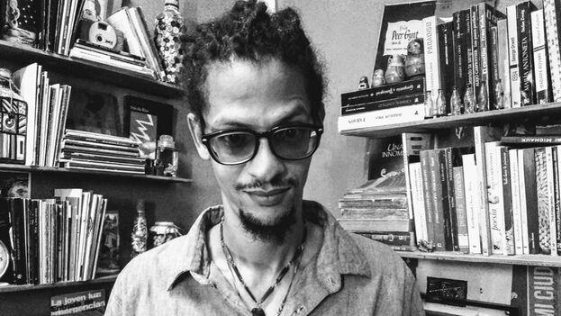 Mora también es ensayista y editor de 'Hypermedia Magazine' y Casa Vacía. (Facebook)