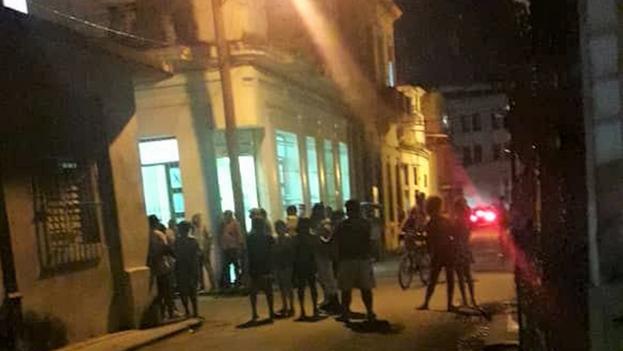 La policía irrumpe en la sede del Movimiento San Isidro y arresta a los activistas. (Facebook)