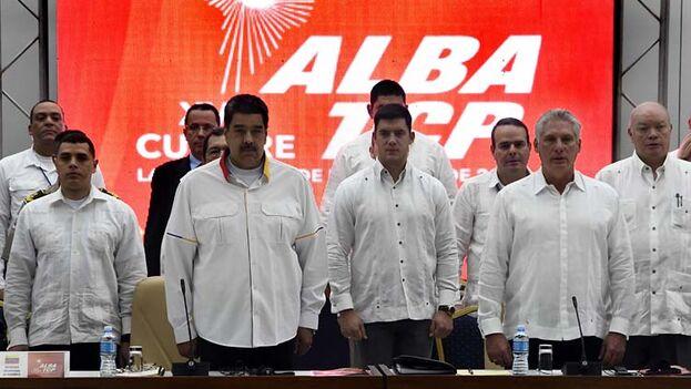 Los líderes se reunieron a puerta cerrada, pero en un breve discurso en el acto de clausura Nicolás Maduro anunció el relanzamiento el año que viene del proyecto Petrocaribe. (Trabajadores)
