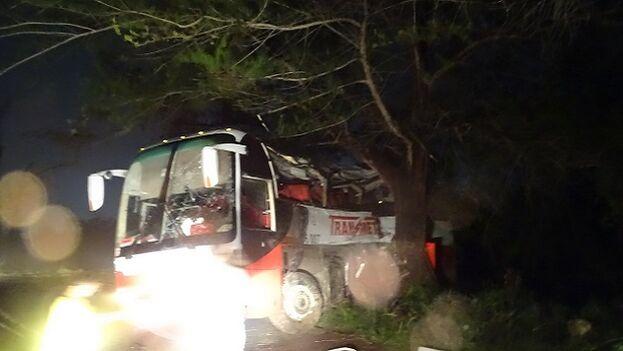 Ómnibus de la empresa Transmetro siniestrado en el accidente en Cienfuegos. (5 de Septiembre)