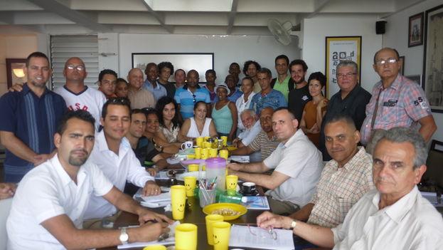 Espacio Abierto de la Sociedad Civil Cubana en su reunión de este jueves 16 de julio. (14ymedio)