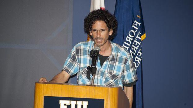 Al momento de su detención de este jueves, el también portavoz de la campaña #Otro18, se dirigía al Tribunal Municipal de Viñales, en la provincia de Pinar del Río. (YouTube)