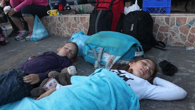 Niños cubanos que permanecen junto a sus padres en Panamá a la esperar de proseguir la ruta hacia EE UU. (Silvio Enrique Campos, migrante cubano en Panamá)