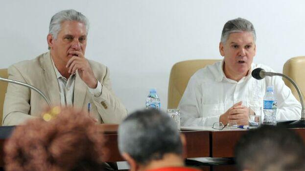 La sesión de hoy en las comisiones del Parlamento estuvo encabezada por el presidente, Miguel Díaz-Canel, y contó con la presencia del ministro de economía, Alejandro Gil. (Granma/José Manuel Correa)