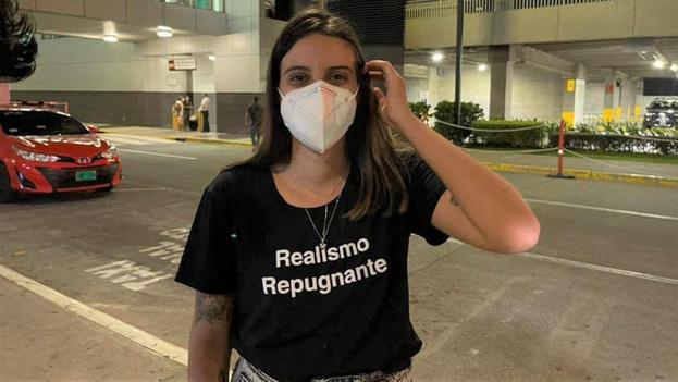 Pérez tuvo que regresar este jueves a Costa Rica después de quedar varada durante varias horas en el Aeropuerto Internacional de Tocumen. (Facebook)
