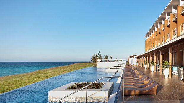 Piscina del hotel Ocean Vista Azul, en Varadero. (Ocean Vista Azul)