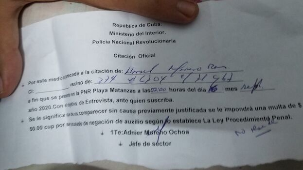 """Según el oficial de la Policía Nacional Revolucionaria (PNR) que le entregó el documento la cita """"sería para una entrevista con el jefe"""". (Facebook/JM)"""