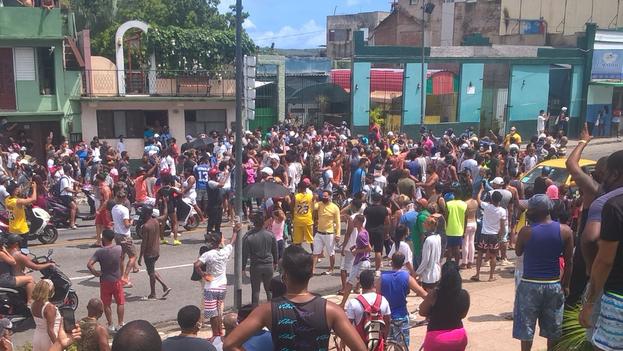 8. Protestas en Santiago de Cuba, este 11 de julio. (14ymedio)