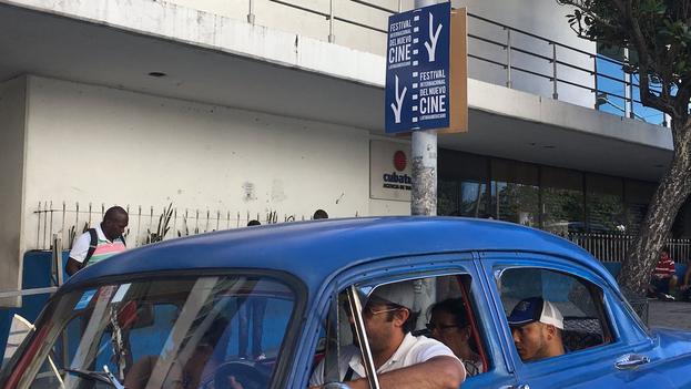 Publicidad alusiva al festival de cine en las calles de La Habana. (14ymedio)