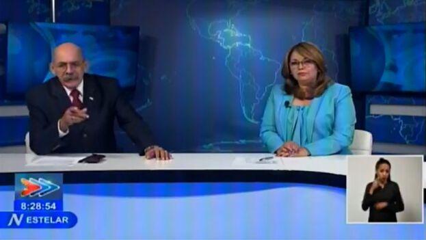 """Los presentadores del espacio informativo, Rafael Serrano y Agnés Becerra, opinaron que la propuesta """"roza el absurdo"""" y es """"un engendro"""". (Captura)"""