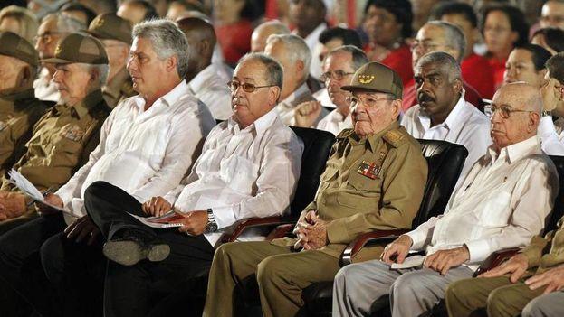 Raúl Castro antes de su discurso en Santiago de Cuba por el 26 de julio. (EFE)