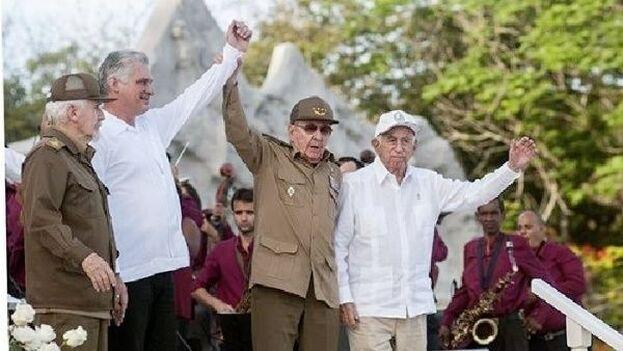 Raúl Castro todavía es el primer secretario del PCC y si la naturaleza le ayuda lo seguirá siendo hasta abril de 2021. (Cubadebate)