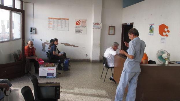 Recepción del taller de la calle Aguilera esquina Mártires. (Fernando Donate Ochoa/14ymedio)