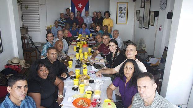 Reunión de Espacio Abierto de la sociedad civil cubana. (14ymedio)