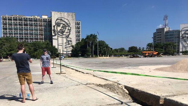 La plaza de la Revolución de La Habana lucirá sin postes eléctricos y con alumbrado LED en 2019 con motivo del 500 aniversario de la fundación de La Habana. (14ymedio)