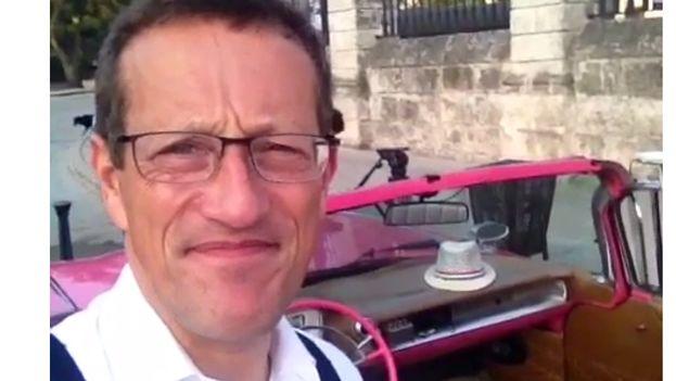 Richard Quest  en La Habana en la preparación de su programa Business Traveller (Twitter)