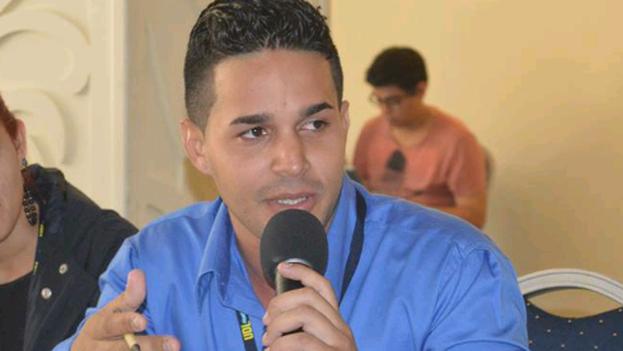 Roberto Santana Capdesuñer, candidato de Holguín