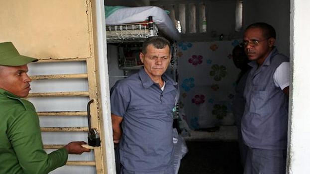 El informe recoge la información proporcionada por Daniel Salcedo Aguirre, quien asegura que las autoridades han declarado casos de covid-19 en la Unidad Policial de El Vivac, en Calabazar, La Habana. (EFE/Archivo)