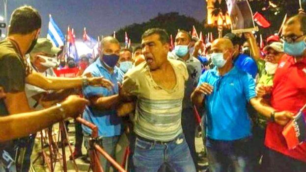 Hasta el momento, solo se sabe que Sánchez reside en Centro Habana pero no hay información sobre si pertenece a algún grupo disidente o de derechos humanos. (Asiel Babastro/Facebook)