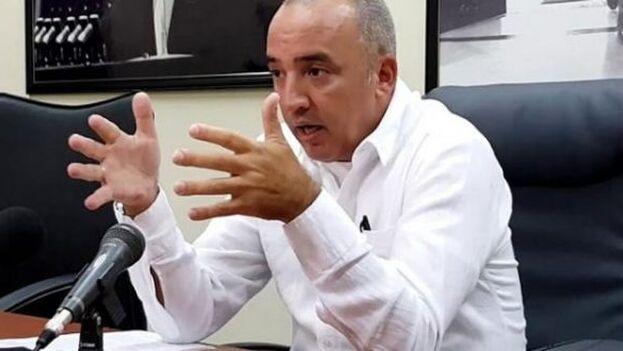 Ernesto Soberón, director de Asuntos Consulares y Cubanos Residentes en el Exterior, habló del posible regreso del 'deshielo'. (Escambray)
