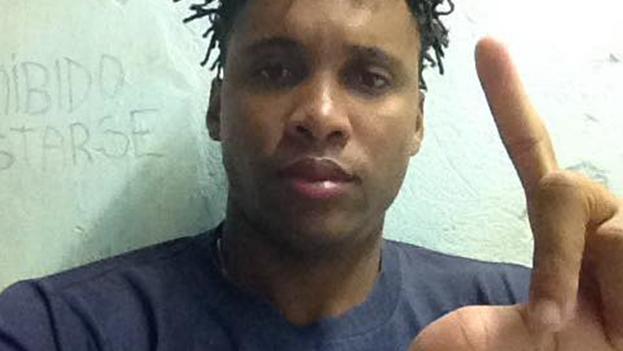 Solís recibe mala alimentación en la cárcel, fue agredido y es amenazado por otros presos. (Facebook)