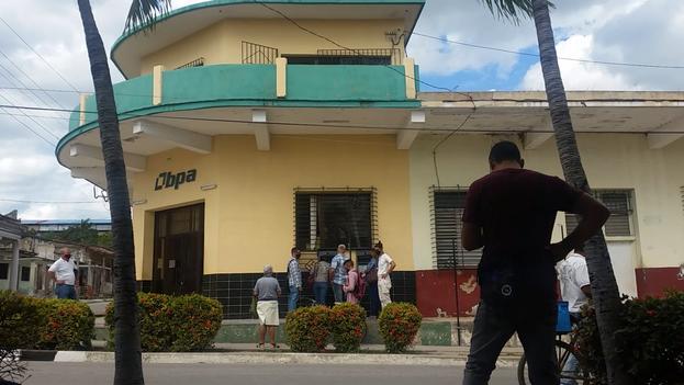 Solo los municipios Esmeraldas, Nuevitas, Florida y Camagüey poseen dispensadores de dinero. (14ymedio)