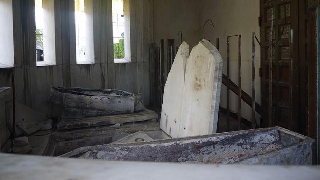 Los restos mortales de Catalina Lasa, de Juan Pedro Baró y su madre descansan provisionalmente, y hasta que terminen las obras, en el panteón de los Emigrados Cubanos