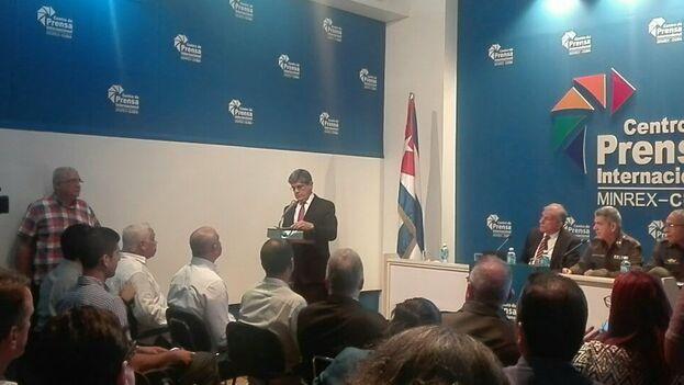 """""""No hay evidencia, teoría ni resultado investigativo apegado a la ciencia que justifique el término ataque"""", indicó el director para Estados Unidos de la Cancillería cubana, Carlos Fernández de Cossío. (@PrensaLatina_cu)"""