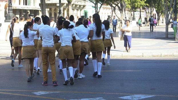 Uniformes escolares. (Luz Escobar)