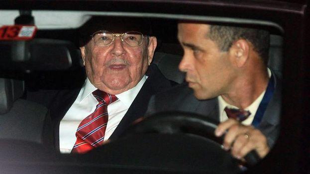 Castro representa a Cuba en su primera Cumbre de las Américas