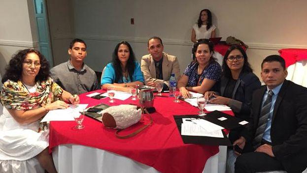 Varios activistas de la sociedad civil cubana en el II Foro Regional Juventud y Democracia (14ymedio)