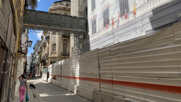 Varios profesionales firmaron un comunicado en el que piden al Gobierno que elimine tanto la arquitectura como la ingeniería de la lista de 124 actividades privadas que fueron recientemente vetadas en Cuba. (14ymedio)