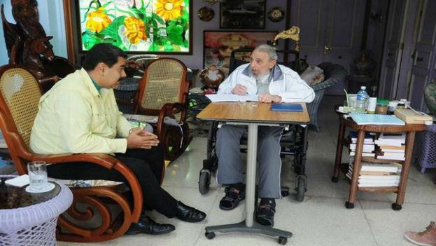 El presidente de Venezuela Nicolás Maduro junto a Fidel Castro en Punto Cero. (Redes)