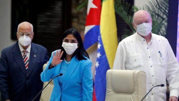 La vicepresidenta de Venezuela, Delcy Rodríguez, en el acto oficial para presentar la Ley Antibloqueo, una propuesta del presidente Nicolás Maduro, este sábado en la Habana. (EFE/Ernesto Mastrascusa)
