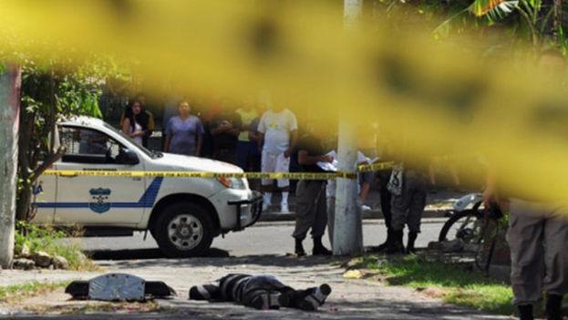 Violento homicidio en El Salvador. (Voces.org)