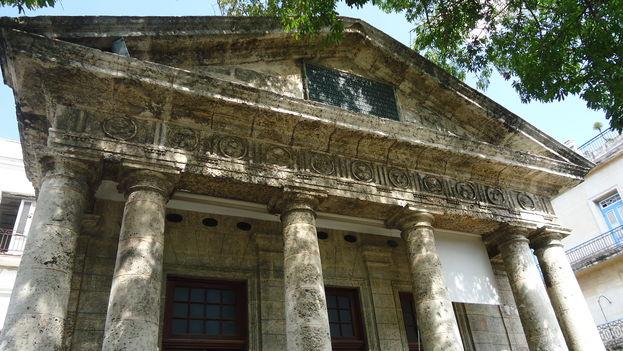 Vista de la portada del histórico Templete de La Habana. (14ymedio)