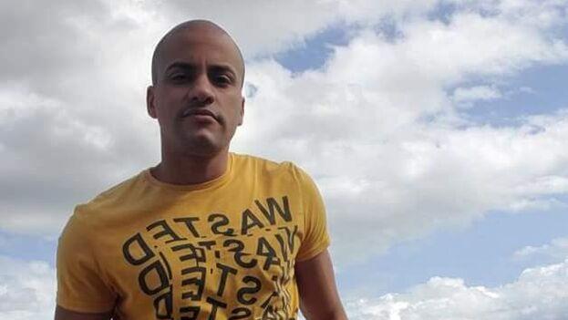 Yoan de la Cruz transmitió en directo las protestas del 11 de julio. (Facebook)