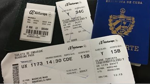 """Yoandy Izquierdo había hecho el chequeo de su vuelo con la aerolínea Air Europa cuando una funcionaria de Inmigración le anunció que tenía """"una prohibición de viaje"""". (Convivencia)"""