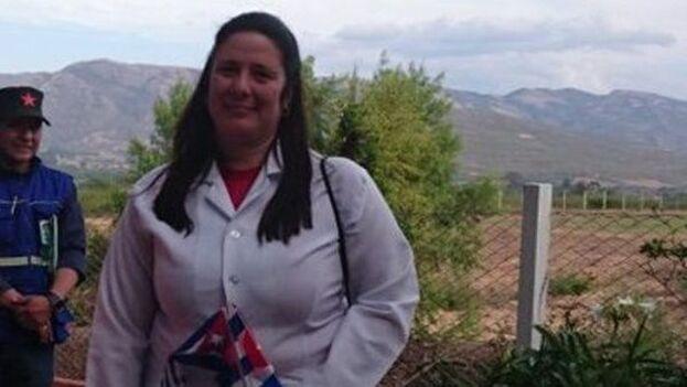 Yohandra Muro, la jefa de la misión médica cubana en Bolivia, fue detenida este viernes por varias horas. (LaMadeja)