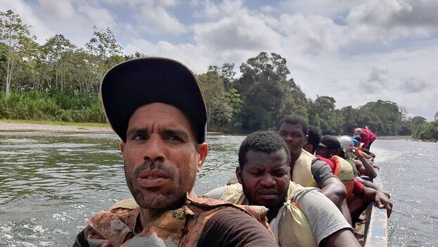 Yosmel fue trasladado este miércoles junto a otros migrantes cubanos, haitianos y africanos, al campamento de Lajas Blancas en la provincia del Darién. (Cortesía)