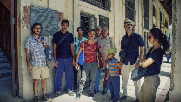 En el # 37 de la calle Zulueta junto a la tarja dedicada a Alfredo Lopez