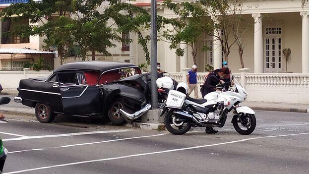 El accidente tuvo lugar este lunes en en el cruce de la calle Línea y G, en el barrio habanero de El Vedado. (14ymedio)