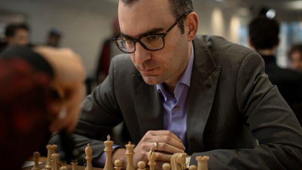 El ajedrecista, establecido en Estados Unidos desde 2018, confiesa que siempre fue pesimista en cuanto a las soluciones. (@STLChessClub)