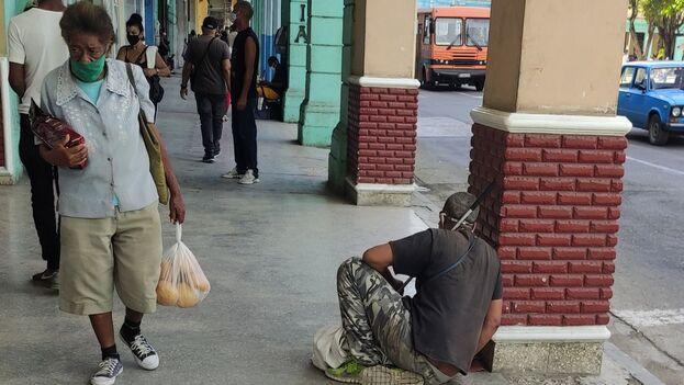 Los cubanos, que han sufrido escasez de alimentos por años, han visto agravarse la situación en una crisis más profunda desde la llegada del covid-19. (14ymedio)