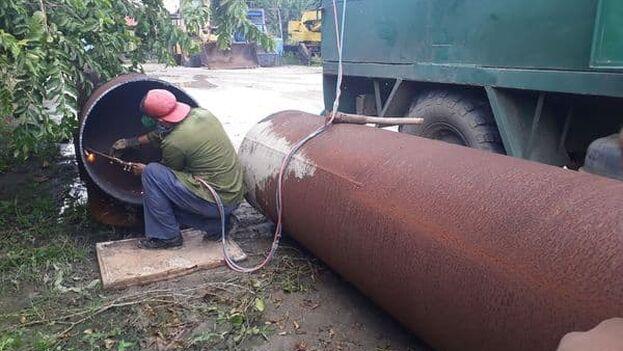 """Los trabajos de reparación no se habían podido iniciar con anterioridad porque los recursos necesarios """"se encontraban fuera del territorio"""", aseguró un funcionario de la provincia. (Recursos Hidráulicos/@DelegacionSsp))"""