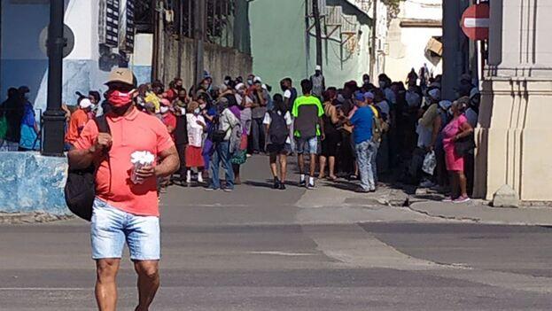 De momento no se han anunciado nuevas medidas restrictivas a las ya existentes en La Habana. (14ymedio)