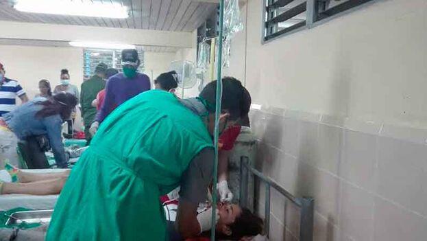 Las víctimas están siendo atendidas en el hospital de Puerto Padre. (Tiempo 21)